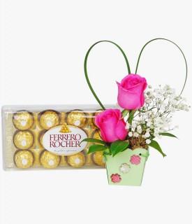 Arranjo com Rosa e Ferrero Rocher Mimos de Carinho