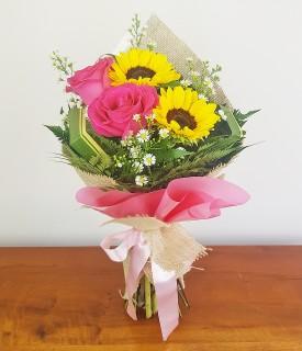 Buquê de Rosas e Girassol Dueto de flores