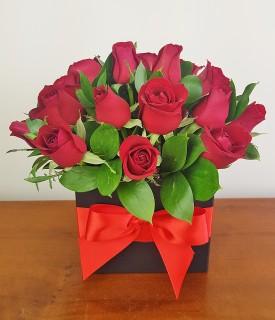 Arranjo Box com rosas vermelhas