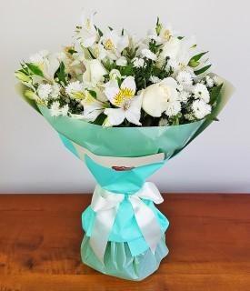 Buquê com Flores brancas Muito a dizer