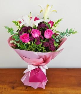 Buquê de Rosas e Lírios - Especial Para Ela