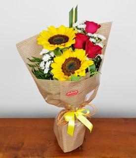 Ramalhete de Rosa e Girassol As Flores Preferidas