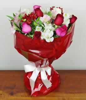 Buquê de Rosas Coloridas - O Significado das Flores