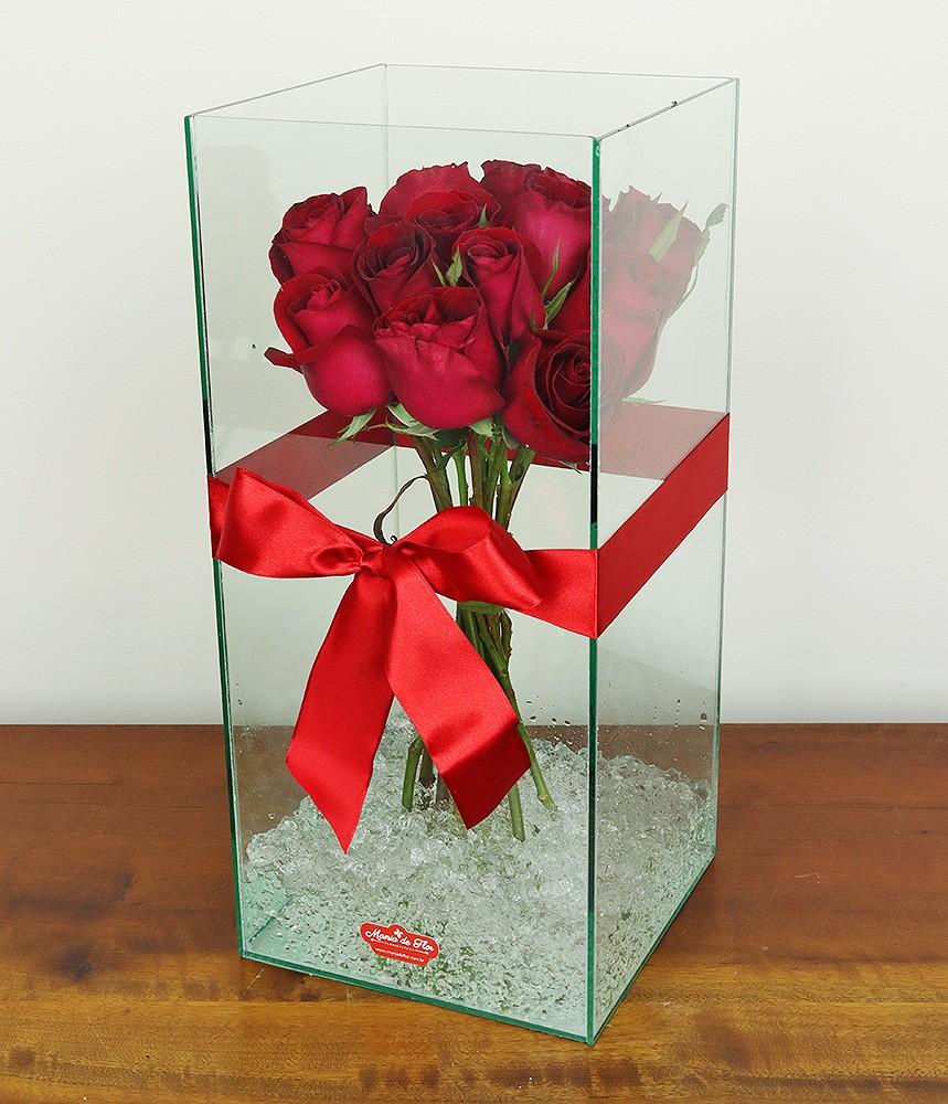 Arranjo de Rosas Vermelhas Surpresa!