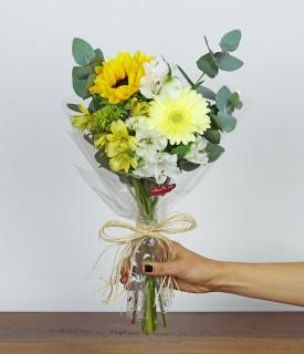Flores para decorar P - branco e amarelo